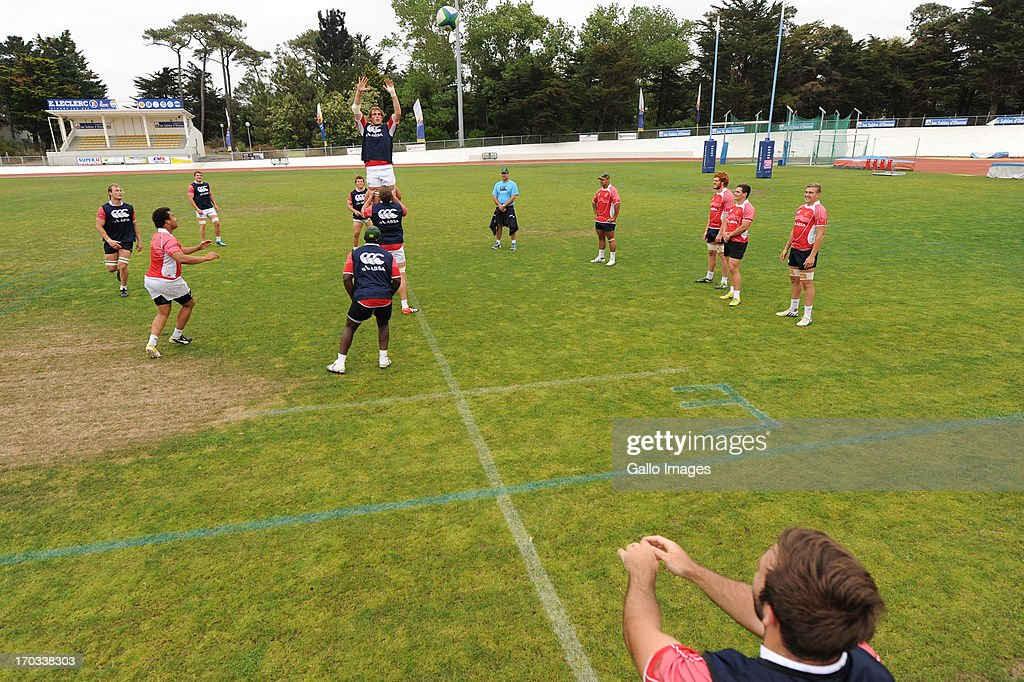 D' OLONNE, FRANCE - JUNE 11: (SOUTH AFRICA OUT) Dennis Visser (back) catches the ball at the back of the line out from Jacques Du Toit during the South African U/20 training session at Stade les Sables d' Olonne on June 11, 2013 in les Sables d' Olonne, France.