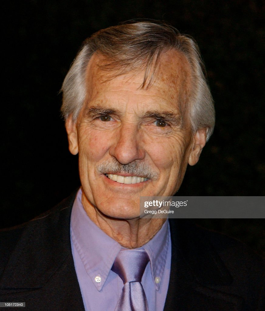 dennis weaver how tall