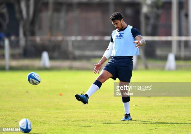 Denny Solomona of England practices his kicking during a training session at Club Universitario on June 16 2017 in Santa Fe Santa Fe