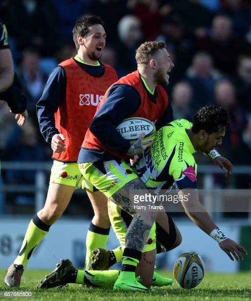 Denny Solomona of Sale Sharks celebrates his side's first try during the Aviva Premiership match between Exeter Chiefs and Sale Sharks at Sandy Park...