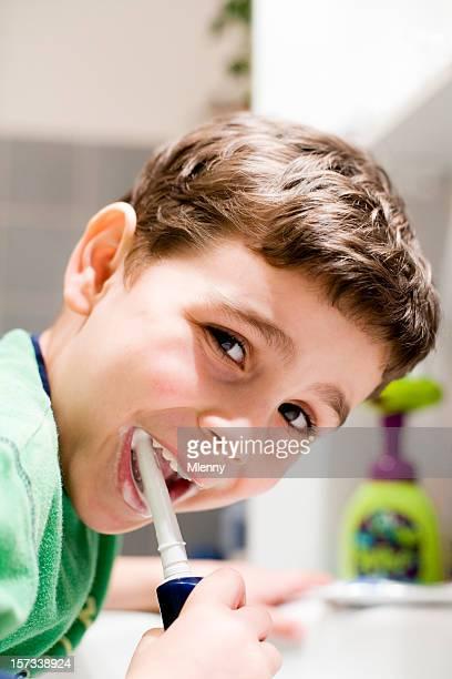 dental care Kind seine Zähne putzen