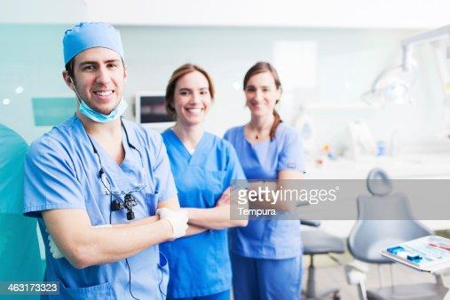歯科衛生アシスタントおよび患者ます。