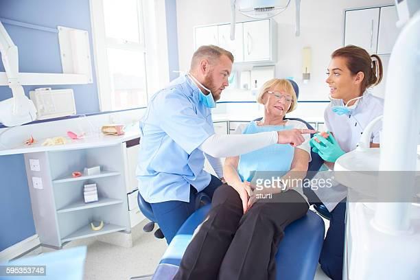 dentist explaining the problem