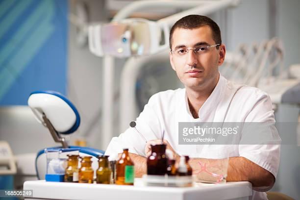Dentista no escritório