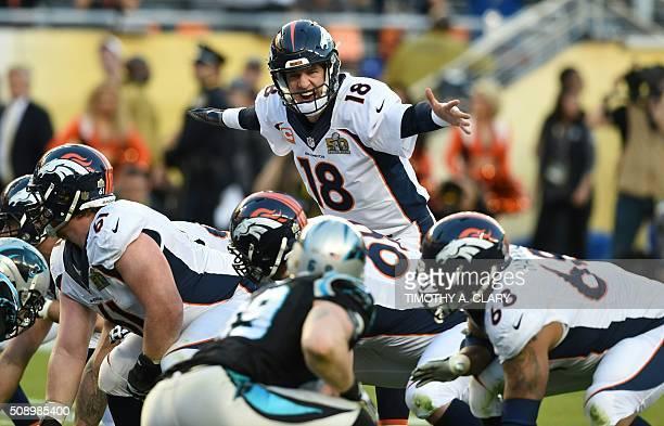 TOPSHOT Denver Bronco Peyton Manning directs his linemen during Super Bowl 50 against the Carolina Panthers at Levi's Stadium in Santa Clara...