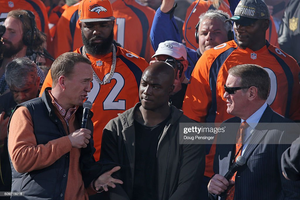 Denver Broncos team captians <a gi-track='captionPersonalityLinkClicked' href=/galleries/search?phrase=Peyton+Manning&family=editorial&specificpeople=184524 ng-click='$event.stopPropagation()'>Peyton Manning</a> and <a gi-track='captionPersonalityLinkClicked' href=/galleries/search?phrase=DeMarcus+Ware&family=editorial&specificpeople=756468 ng-click='$event.stopPropagation()'>DeMarcus Ware</a> talk to Dave Logan as the Super Bowl 50 Champion Denver Broncos are celebrated at a rally on the steps of the Denver City and County Building on February 9, 2016 in Denver, Colorado. The Broncos defeated the Carolina Panthers 24-10 in Super Bowl 50.