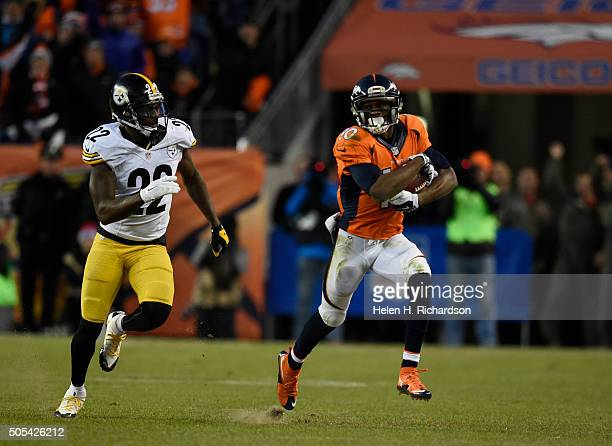 Denver Broncos wide receiver Emmanuel Sanders picks up a big gain as he gets chased by Pittsburgh Steelers cornerback William Gay during the 4th...