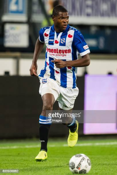 Denzel Dumfries of sc Heerenveen during the Dutch Eredivisie match between sc Heerenveen and Heracles Almelo at Abe Lenstra Stadium on August 19 2017...