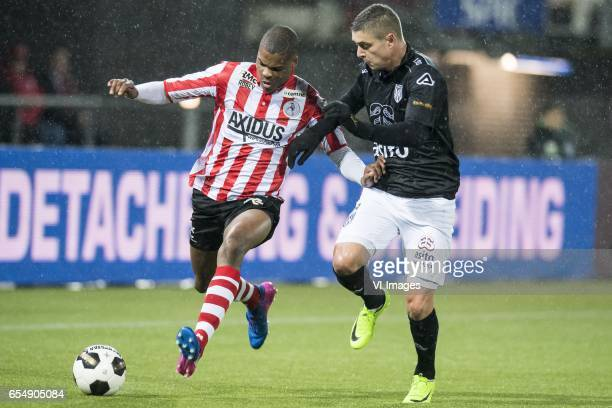 Denzel Dumfries of Sparta Rotterdam Kristoffer Peterson of Heracles Almeloduring the Dutch Eredivisie match between Sparta Rotterdam and Heracles...