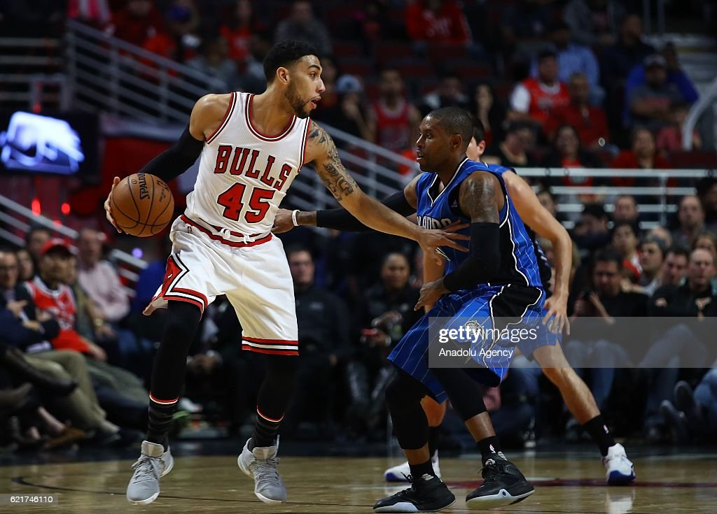 Denzel Valentine (45) of Chicago Bulls in action during a NBA game between Chicago Bulls and Orlando Magic at the United Center in Chicago, Illinois, United States on November 8, 2016.