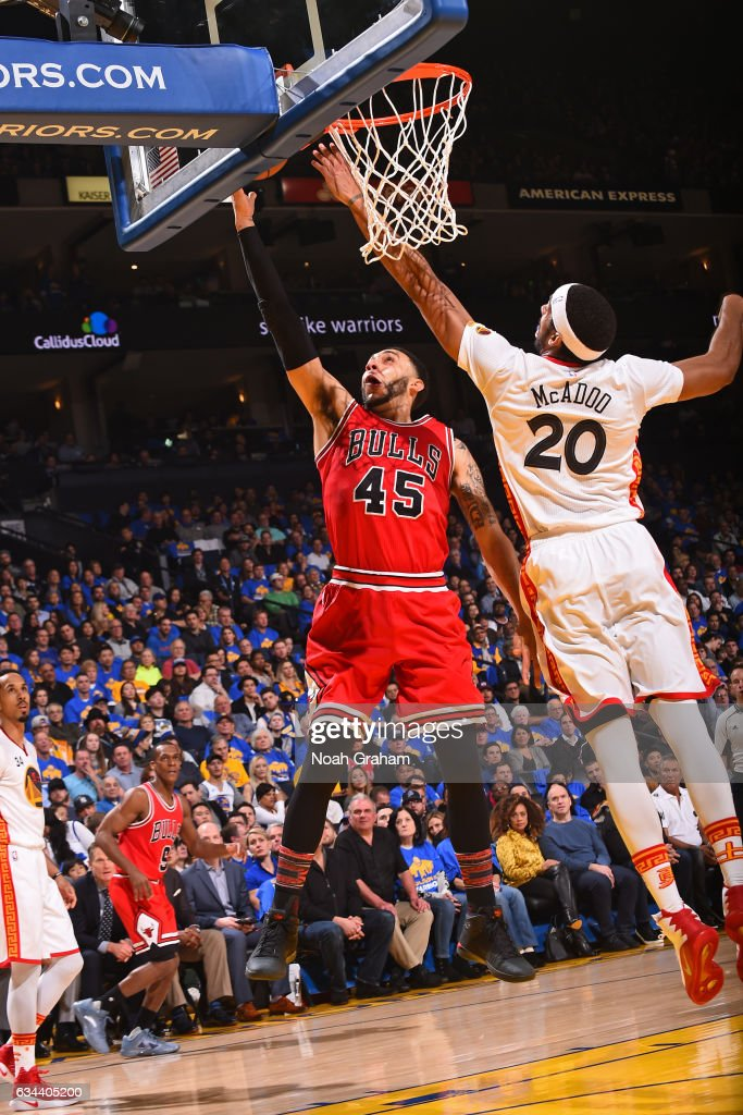 Denzel Valentine #45 of the Chicago Bulls drives to the basket against the Golden State Warriors on February 8, 2017 at ORACLE Arena in Oakland, California.
