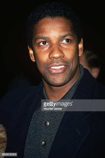 Denzel Washington attends the premiere of the motion picture Philadelphia at New York's Ziegfeld Theater