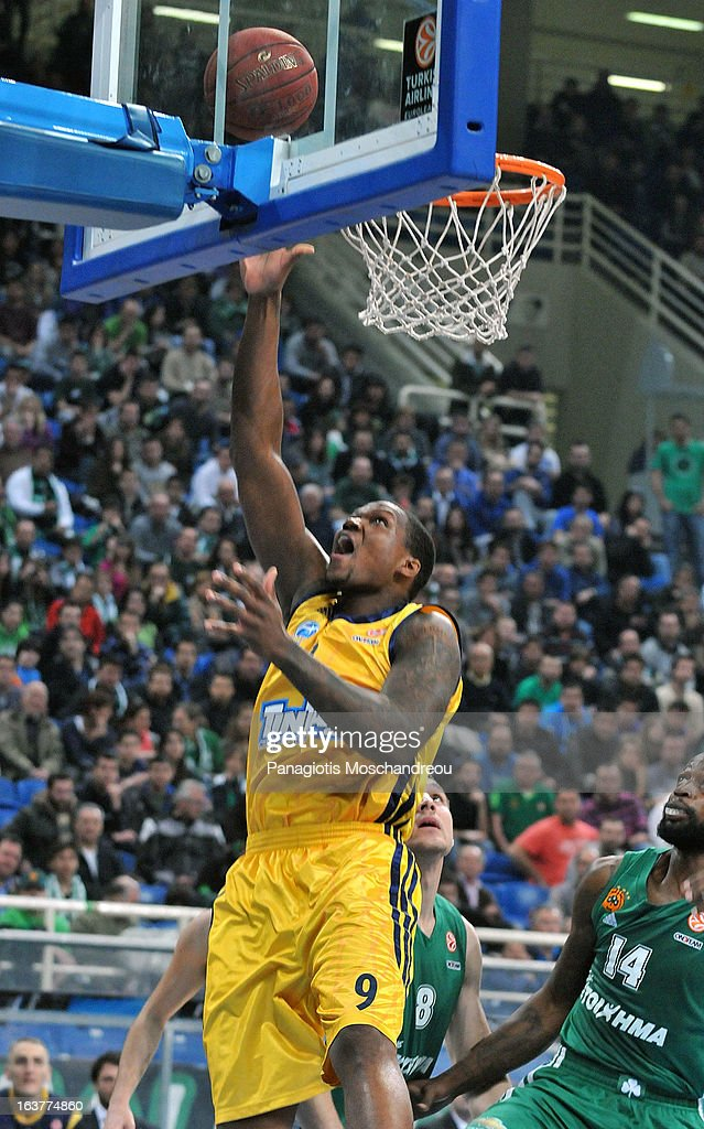 <a gi-track='captionPersonalityLinkClicked' href=/galleries/search?phrase=Deon+Thompson&family=editorial&specificpeople=4026290 ng-click='$event.stopPropagation()'>Deon Thompson</a>, #9 of Alba Berlin in action during the 2012-2013 Turkish Airlines Euroleague Top 16 Date 11 between Panathinaikos Athens v Alba Berlin at OAKA on March 15, 2013 in Athens, Greece.