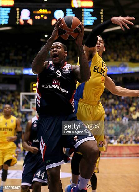Deon Thompson #9 of FC Bayern Munich in action during the 20132014 Turkish Airlines Euroleague Top 16 Date 6 game between Maccabi Electra Tel Aviv v...