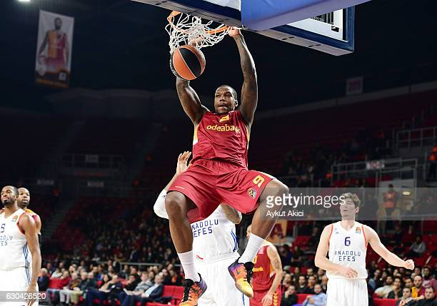 Deon Thompson #9 of Galatasaray Odeabank Istanbul in action during the 2016/2017 Turkish Airlines EuroLeague Regular Season Round 14 game between...