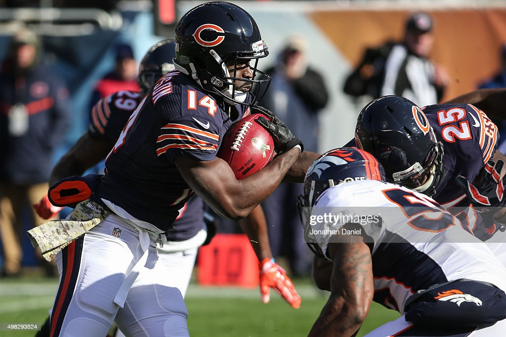 Deonte Thompson #14 of the Chicago Bears carries the football in the first quarter against the Denver Broncos at Soldier Field on November 22, 2015 in Chicago, Illinois.