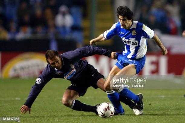Deportivo La Coruna's Juan Valeron evades the challenge from Juventus' Antonio Conte