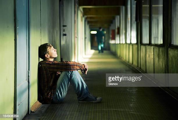 Ein deprimierter teenager