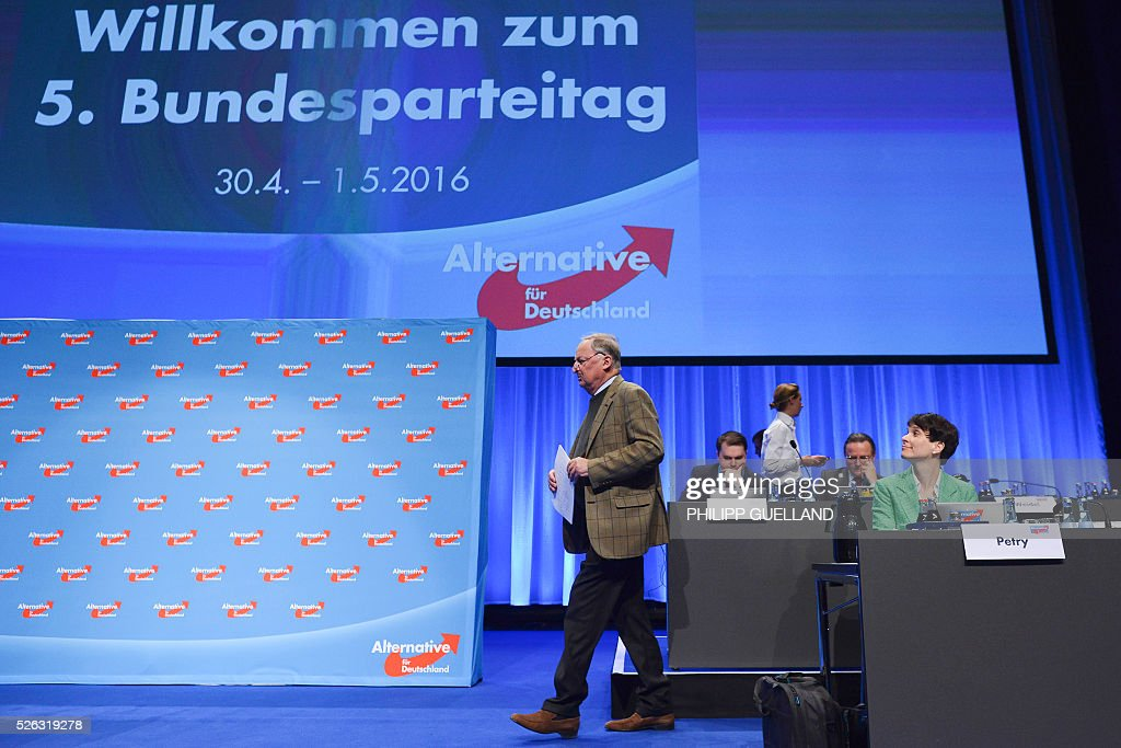 AFD deputy chairman Alexander Gauland walks on stage to deliver a speech during a party congress of the German right wing party AfD (Alternative fuer Deutschland) at the Stuttgart Congress Centre ICS on April 30, 2016 in Stuttgart, southern Germany. Protesters tried to block the access to the party conference of the 'Alternative Fuer Deutschland' (Alternative for Germany) with around 400 being taken into custody. / AFP / Philipp GUELLAND