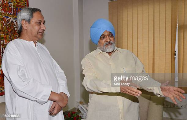 Deputy Chairman of Planning Commission Montek Singh Ahluwalia with Odisha Chief Minister Naveen Patnaik during a meeting to finalise the annual plan...