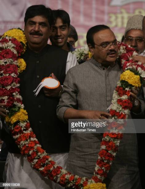 Deputy chief minister Chhagan Bhujbal and BJP MP Gopinath Munde among other leaders at the OBC felicitation in Mumbai on Saturday