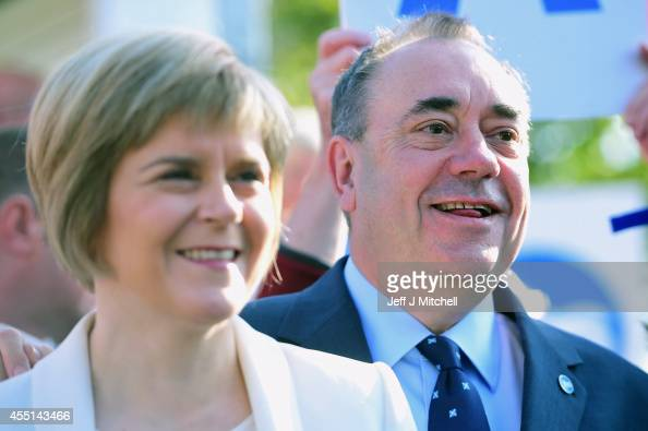 Deputy First Minister Nicola Sturgeon and First Minister Alex Salmond campaign in Piershill Square on September 10 2014 in Edinburgh Scotland The...