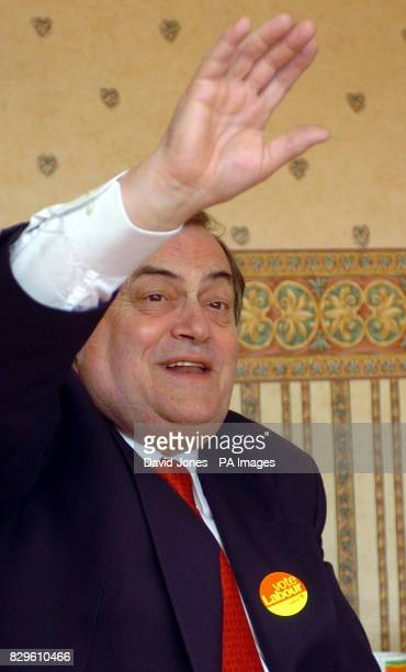 Deputy Prime Minister John Prescott at the home of Mrs Anne Geery in Stapenhill Mrs Geery is the millionth beneficiary of the 'Warm Homes' grant...