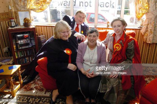 Deputy Prime Minister John Prescott with Janet Dean and environment secretary Margaret Beckett at the home of Mrs Ann Geary in Stapenhill Mrs Geary...