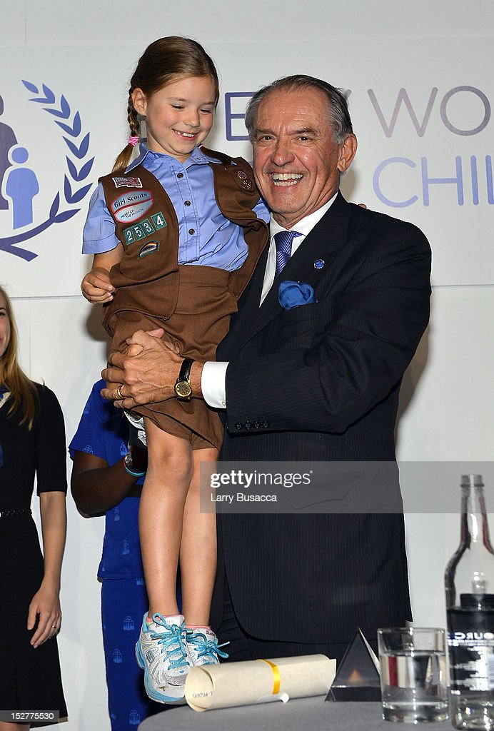 Deputy Secretary-General of the United Nations, <a gi-track='captionPersonalityLinkClicked' href=/galleries/search?phrase=Jan+Eliasson&family=editorial&specificpeople=563205 ng-click='$event.stopPropagation()'>Jan Eliasson</a> (R) speaks onstage at the United Nations Every Woman Every Child Dinner 2012 on September 25, 2012 in New York, United States.