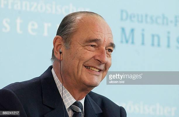 Der französische Staatspräsident Jaques Chirac während einer Pressekonferenz anlässlich anlässlich des Treffens des 6 DeutschFranzösischen...