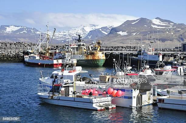 Der Hafen im Fischerort Ólafsvik aufgenommen am 19 Mai 2012