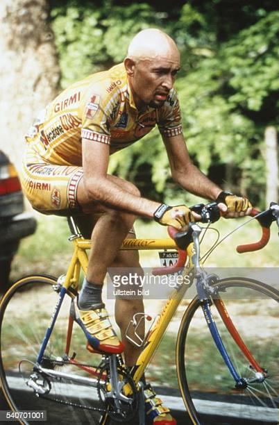 Der Radrennfahrer Marco Pantani in Aktion Undatiertes Foto