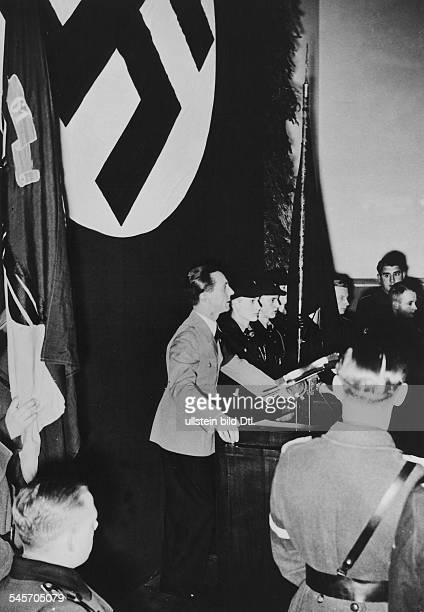 Der Reichsminister für Volksaufklärung undPropaganda Joseph Goebbels spricht ineinem Saal der 1 und 29 Volksschule inBerlin Neukölln zur deutschen...