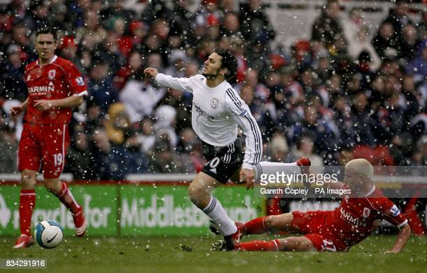 Derby County's Hossam Ghaly and Middlesbrough's Lee Cattermole