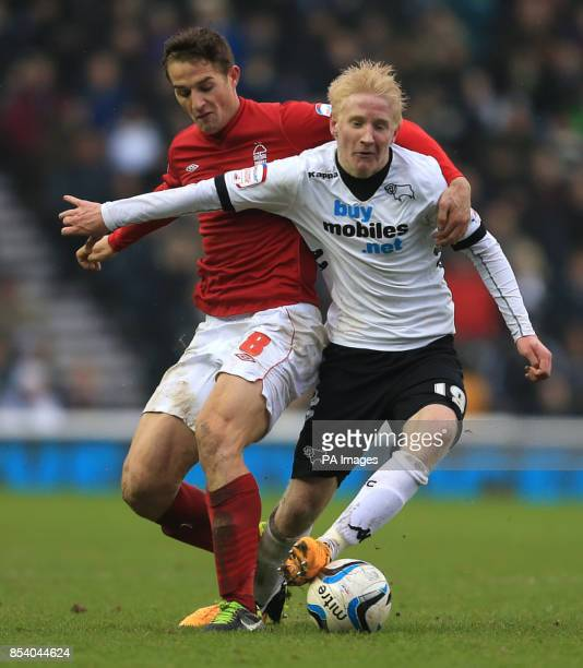 Derby's Will Hughes and Nottingham Forest's Chris Cohen battle for the ball during the npower Championship match at Pride Park Derby