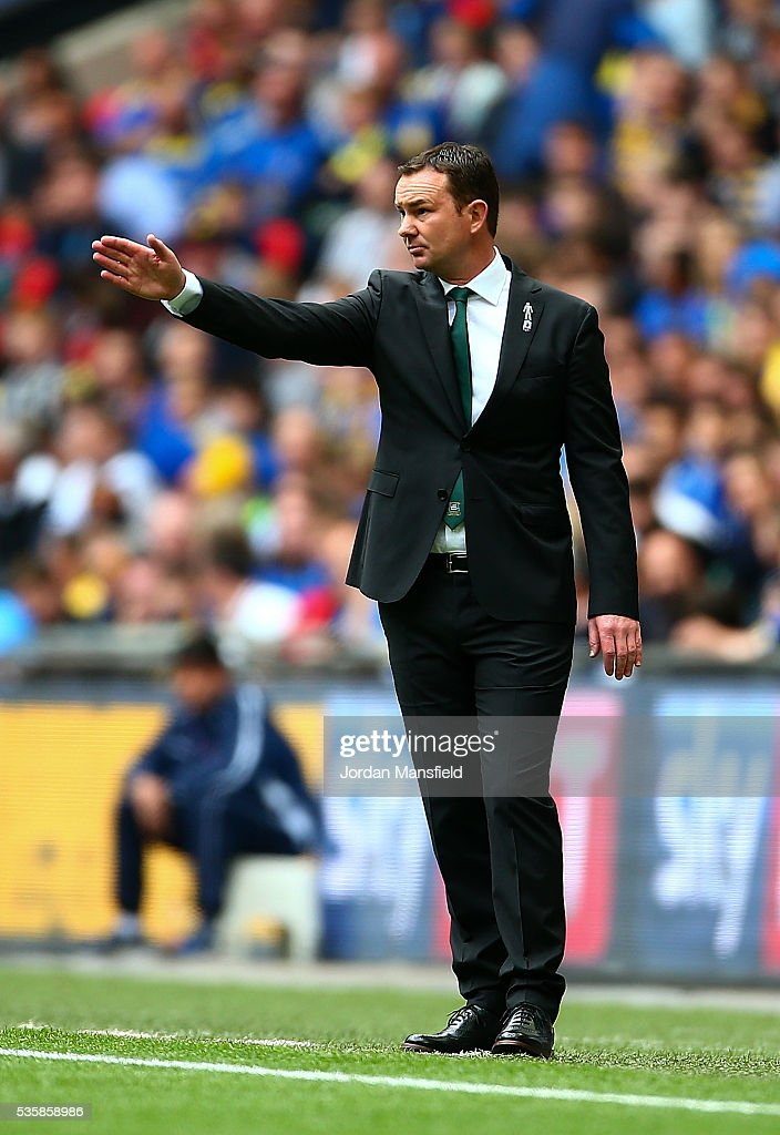 Derek Adams, manager of Plymouth gives instructions during the Sky Bet League Two Play Off Final match between Plymouth Argyle and AFC Wimbledon at Wembley Stadium on May 30, 2016 in London, England.
