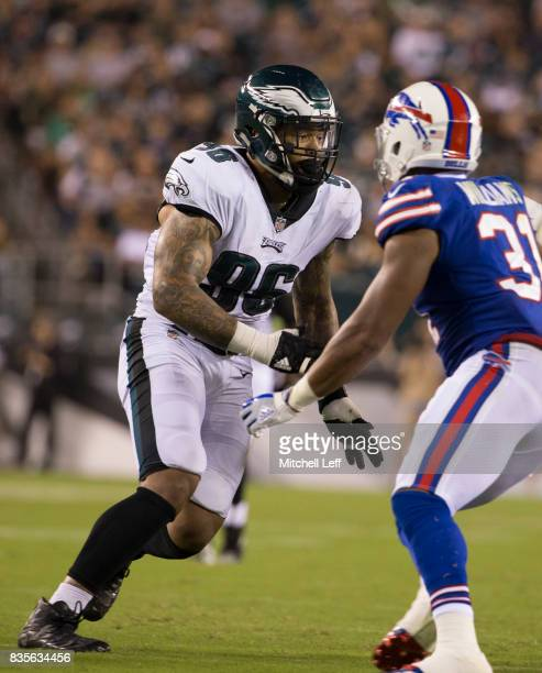 Derek Barnett of the Philadelphia Eagles plays against Jonathan Williams of the Buffalo Bills in the preseason game at Lincoln Financial Field on...