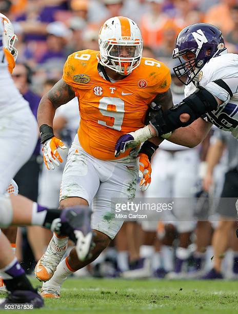 Derek Barnett of the Tennessee Volunteers against the Northwestern Wildcats during the Outback Bowl at Raymond James Stadium on January 1 2016 in...