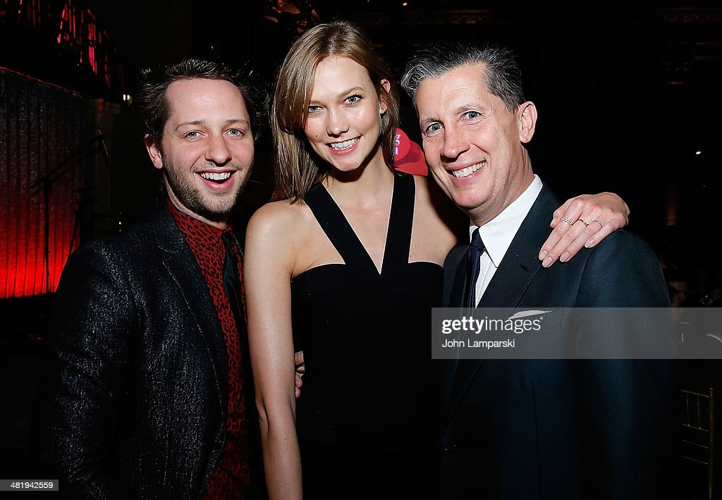 <a gi-track='captionPersonalityLinkClicked' href=/galleries/search?phrase=Derek+Blasberg&family=editorial&specificpeople=856710 ng-click='$event.stopPropagation()'>Derek Blasberg</a>, <a gi-track='captionPersonalityLinkClicked' href=/galleries/search?phrase=Karlie+Kloss&family=editorial&specificpeople=5555876 ng-click='$event.stopPropagation()'>Karlie Kloss</a> and <a gi-track='captionPersonalityLinkClicked' href=/galleries/search?phrase=Stefano+Tonchi&family=editorial&specificpeople=2497117 ng-click='$event.stopPropagation()'>Stefano Tonchi</a> attend The New Museum Annual Spring Gala at Cipriani Wall Street on April 1, 2014 in New York City.