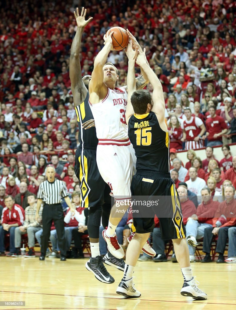 Derek Elston #32 of the Indiana Hoosiers shoots the ball during the game against the Iowa Hawkeyes at Assembly Hall on March 2, 2013 in Bloomington, Indiana.