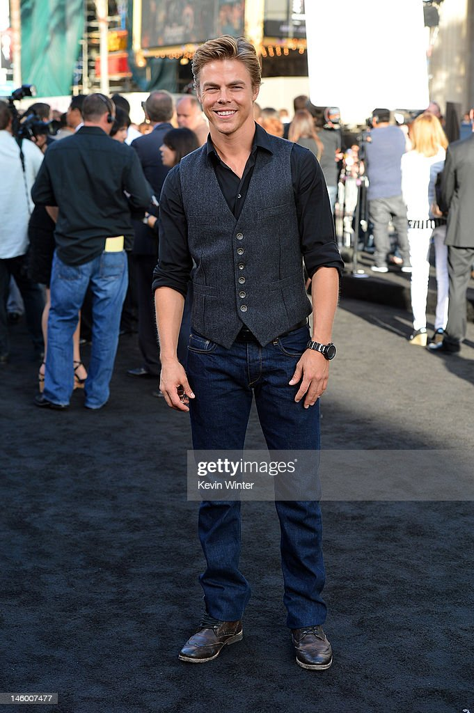 <a gi-track='captionPersonalityLinkClicked' href=/galleries/search?phrase=Derek+Hough&family=editorial&specificpeople=4532214 ng-click='$event.stopPropagation()'>Derek Hough</a> arrives at the premiere of Warner Bros. Pictures' 'Rock of Ages' at Grauman's Chinese Theatre on June 8, 2012 in Hollywood, California.