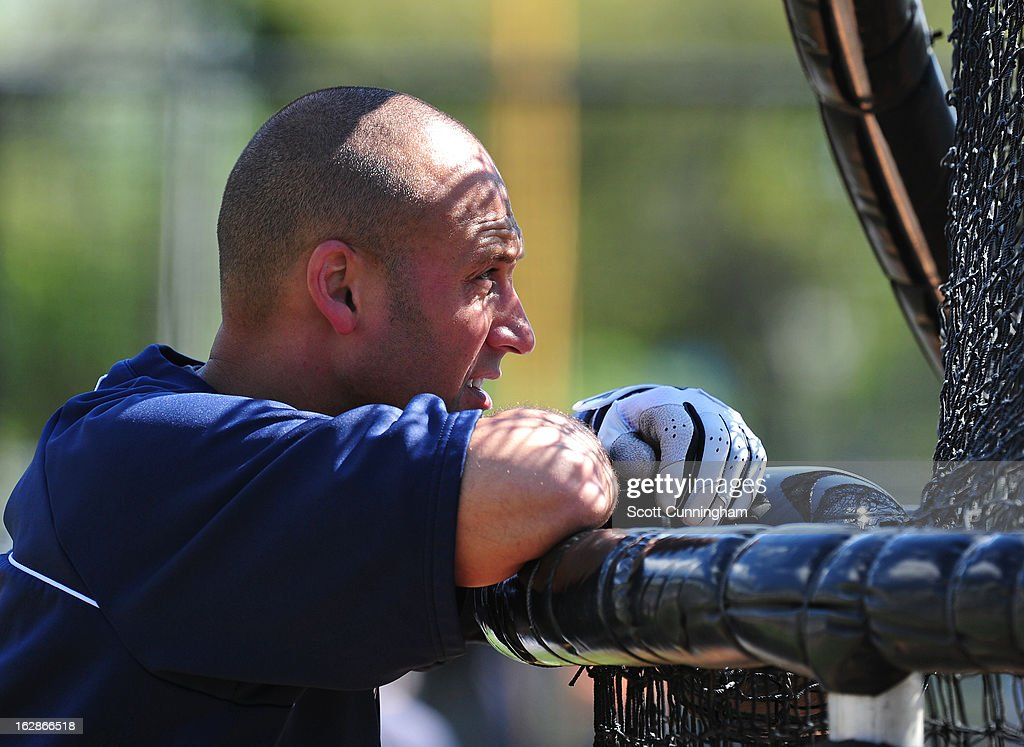 <a gi-track='captionPersonalityLinkClicked' href=/galleries/search?phrase=Derek+Jeter&family=editorial&specificpeople=167125 ng-click='$event.stopPropagation()'>Derek Jeter</a> #2 of the New York Yankees watches batting practice before the spring training game against the Toronto Blue Jays at George M. Steinbrenner Field on February 28, 2013 in Tampa, Florida.