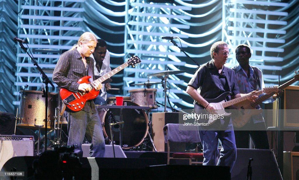 Eric Clapton Performs at the Sydney Entertainment Centre - January 29, 2007