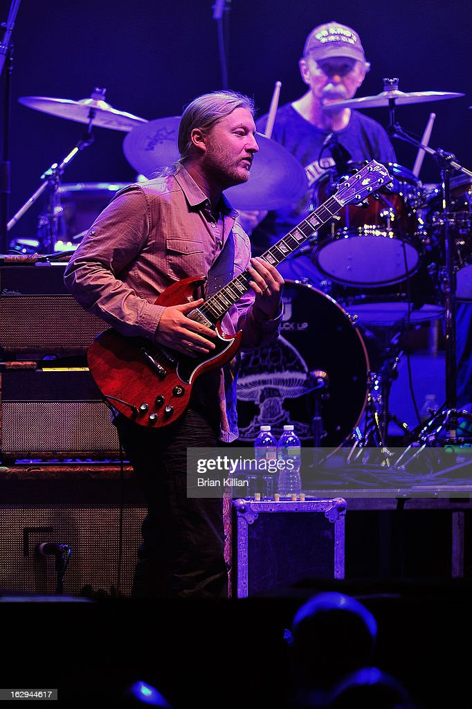 <a gi-track='captionPersonalityLinkClicked' href=/galleries/search?phrase=Derek+Trucks&family=editorial&specificpeople=2238705 ng-click='$event.stopPropagation()'>Derek Trucks</a> of The Allman Brothers Band performs at Beacon Theatre on March 1, 2013 in New York City.