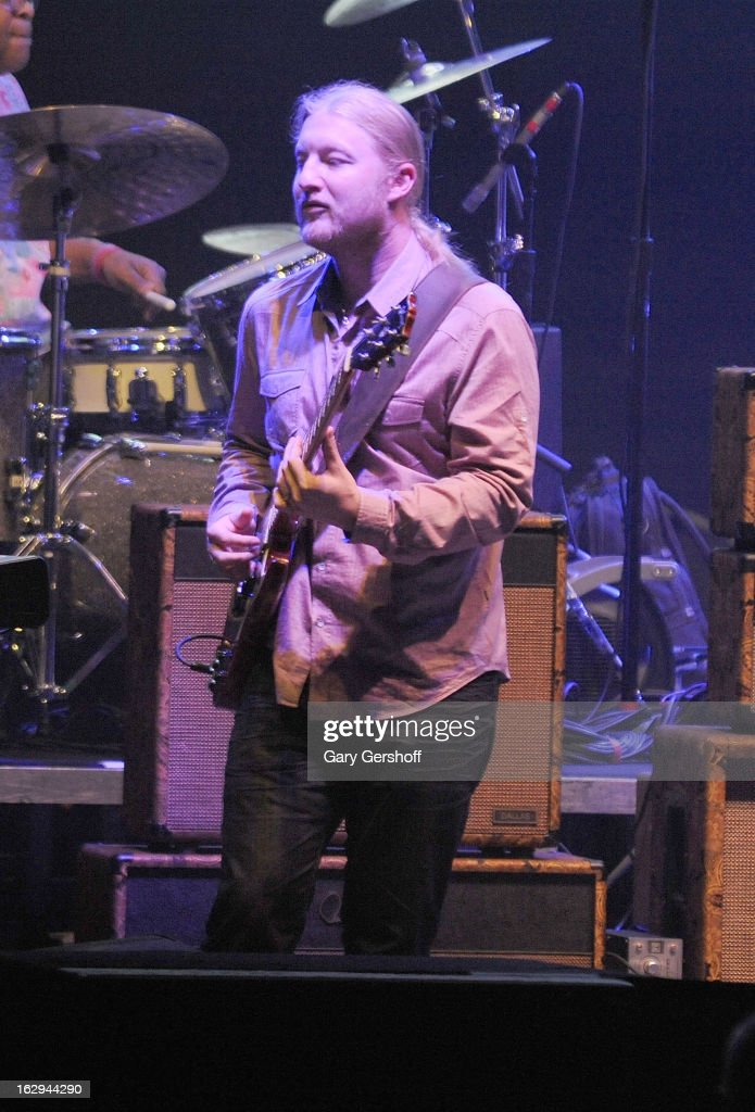 <a gi-track='captionPersonalityLinkClicked' href=/galleries/search?phrase=Derek+Trucks&family=editorial&specificpeople=2238705 ng-click='$event.stopPropagation()'>Derek Trucks</a> of The Allman Brothers band performs at the Beacon Theatre on March 1, 2013 in New York City.