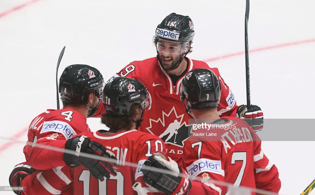 Derick Brassard of Canada celebrate his goal with teammattes during the 2016 IIHF World Championship between USA and Canada at Yubileyny Sports Palace ,on May 6, 2016 in Saint Petersburg, Russia.