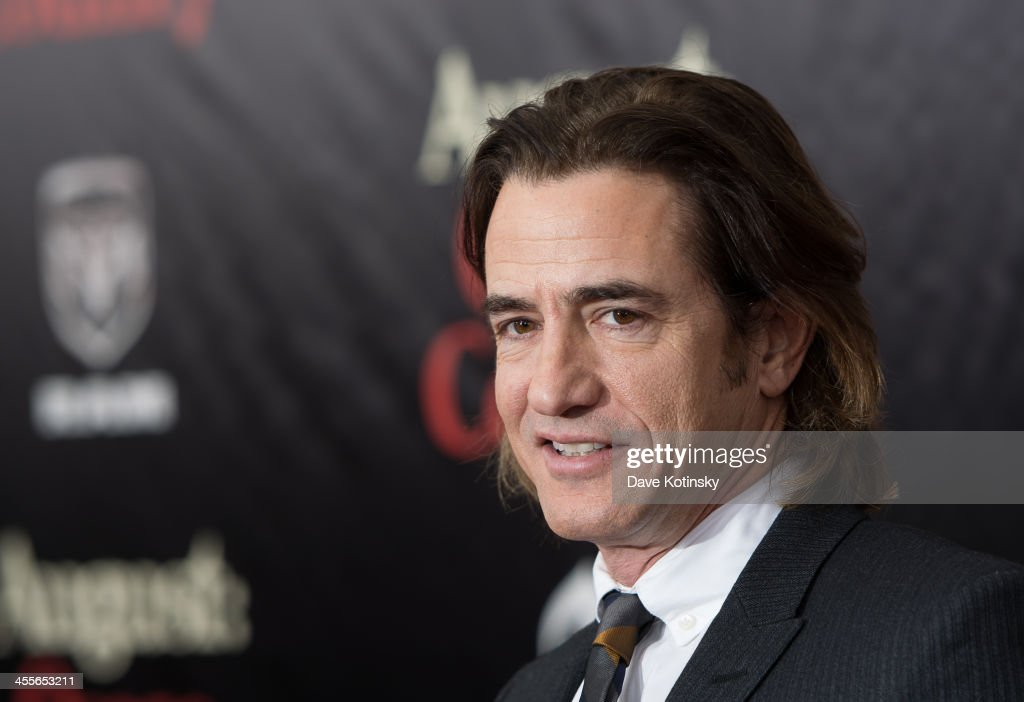 <a gi-track='captionPersonalityLinkClicked' href=/galleries/search?phrase=Dermot+Mulroney&family=editorial&specificpeople=208776 ng-click='$event.stopPropagation()'>Dermot Mulroney</a> attends the 'August: Osage County' premiere at Ziegfeld Theater on December 12, 2013 in New York City.