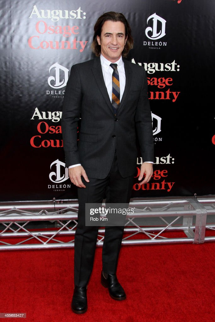 <a gi-track='captionPersonalityLinkClicked' href=/galleries/search?phrase=Dermot+Mulroney&family=editorial&specificpeople=208776 ng-click='$event.stopPropagation()'>Dermot Mulroney</a> attends the premiere of