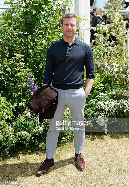 Dermot O'Leary arrives at the Burberry Menswear Spring/Summer 2016 show at Kensington Gardens on June 15 2015 in London England