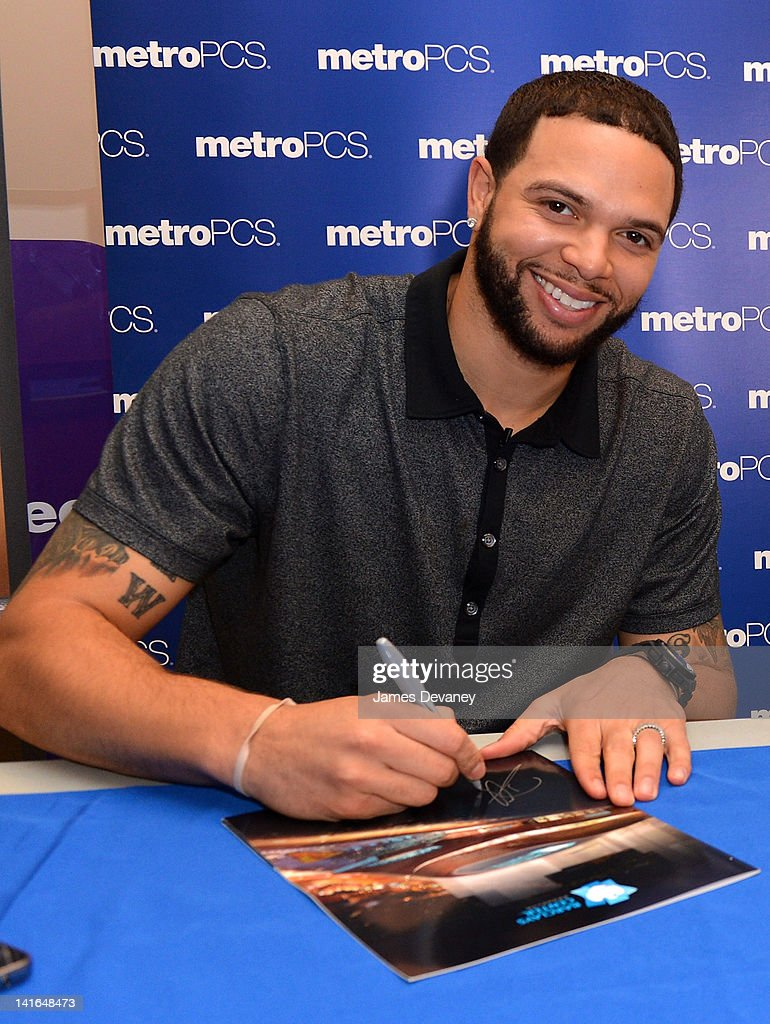 Deron Williams attends a meet & greet on March 20, 2012 at Metro PCS in the Brooklyn borough of New York City.